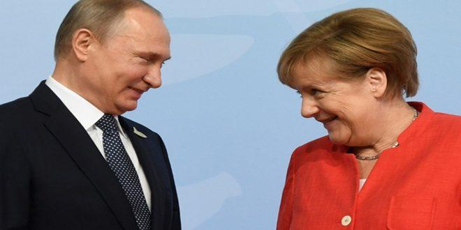 بوتين وميركل يبحثان هاتفياً الوضع في سورية