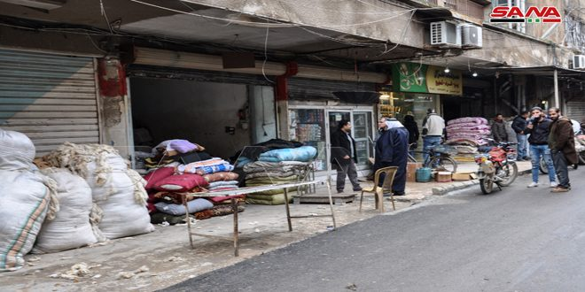 سوق الصوف بالحسكة… آمال بتحسن حركة البيع بعد فتح طريق الحسكة حلب الدولي