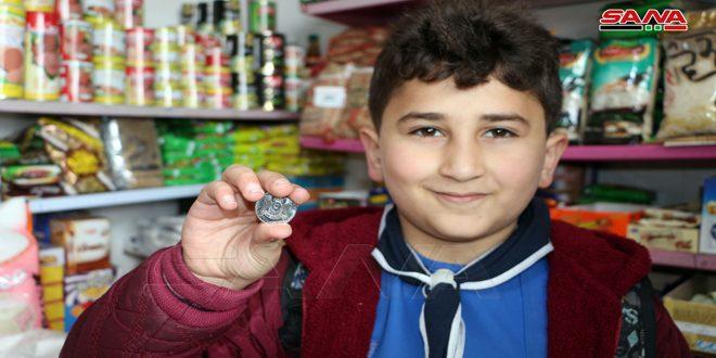 """عشرات الفعاليات تنضم إلى حملة """"ليرتنا عزتنا"""" في درعا"""
