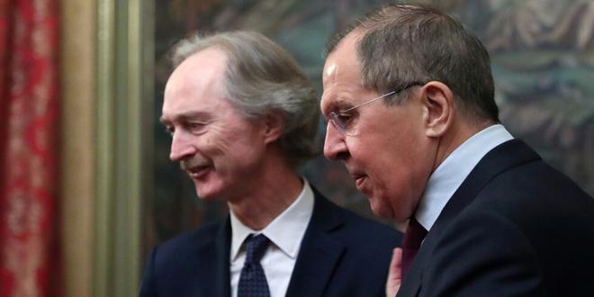 لافروف وبيدرسون: ضرورة القضاء على الإرهاب بإدلب وتسهيل عودة المهجرين السوريين وإعادة الإعمار