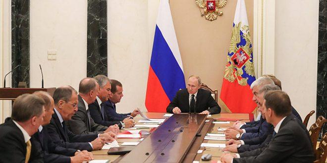 بوتين يبحث مع مجلس الأمن الروسي الوضع في إدلب