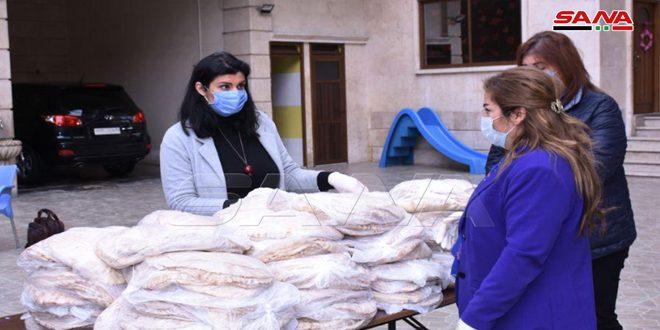 """""""سلتك ببيتك"""" لدعم أسر اطفال السرطان في حلب ومبادرات لتوزيع الأغذية والمعقمات بعدد من المحافظات"""