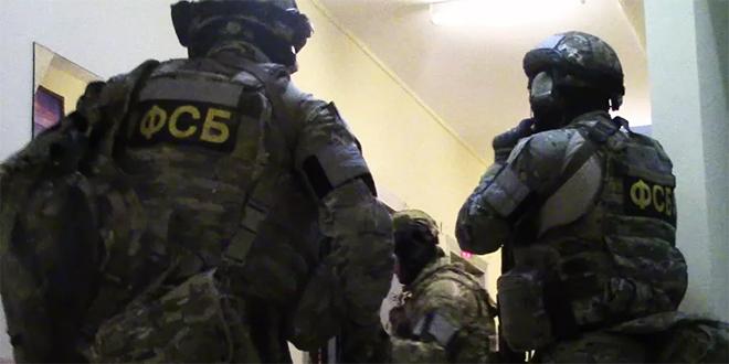 الأمن الروسي يقبض على شخصين خططا للانضمام إلى الإرهابيين في سورية