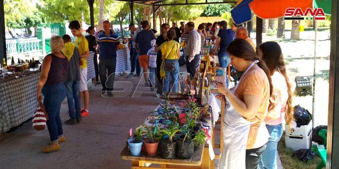 تشكيلة واسعة من المواد الغذائية والمنتجات الطبيعية في سوق الضيعة باللاذقية