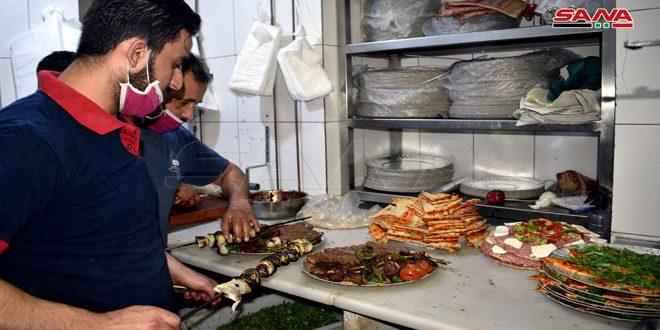 السماح للمطاعم بالعمل لتقديم الطلبات الخارجية دون تحديد وقت للإغلاق