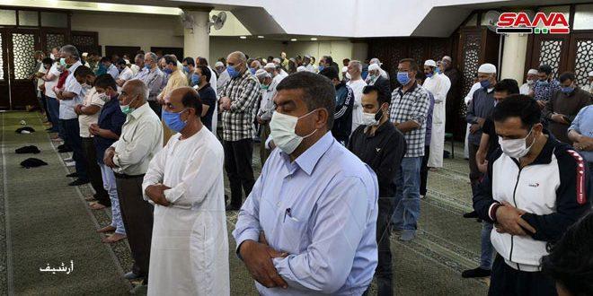 إقامة صلوات الجماعة في المساجد مع اتخاذ الإجراءات الاحترازية للتصدي لفيروس كورونا