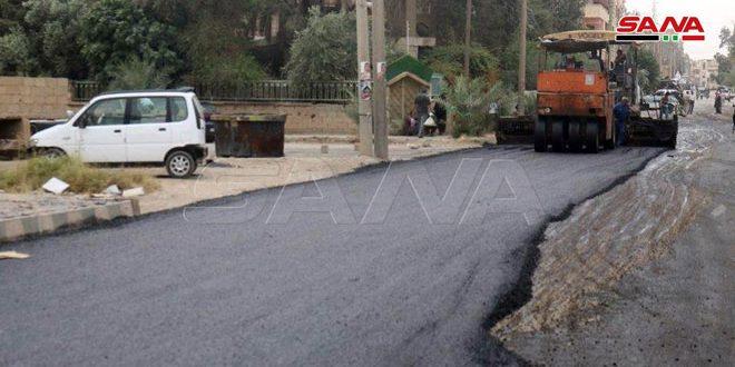 تنفيذ مشروع مد قميص إسفلتي بحي القصور في مدينة دير الزور