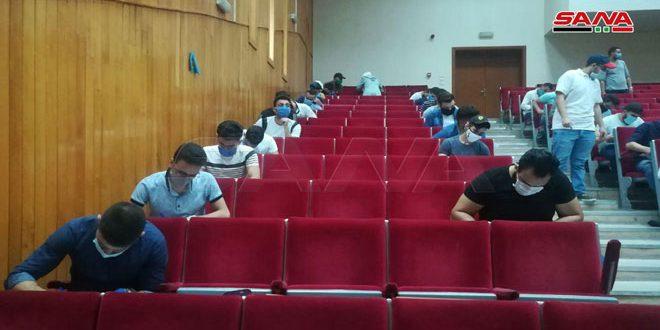 بدء امتحانات الفصل الدراسي الثاني في الجامعات.. نحو 600 ألف طالب وطالبة يتقدمون لها