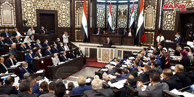 مجلس الشعب يبدأ أعمال جلسته الأولى من الدورة العادية الأولى للدور التشريعي الثالث بحضور رئيس مجلس الوزراء والوزراء
