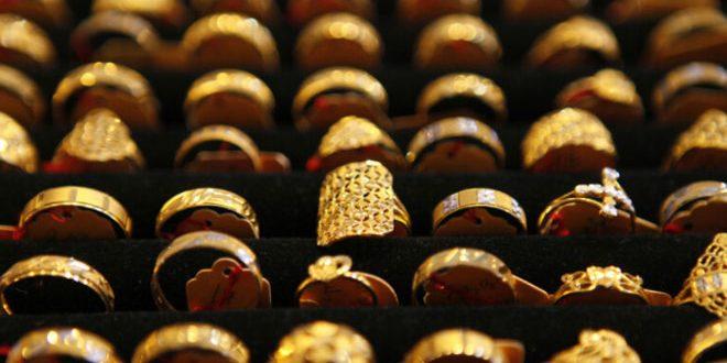 الذهب يهبط بفعل صعود الدولار في غياب التحفيز الأمريكي