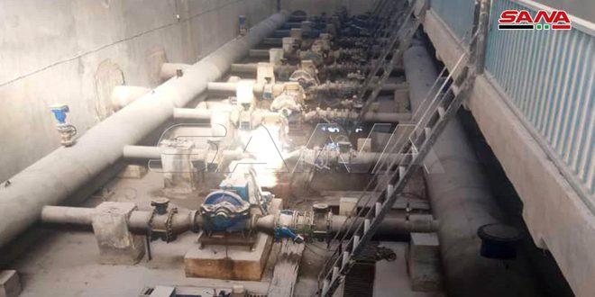 بعد إصلاح الأعطال… إعادة تغذية محطة آبار علوك في الحسكة بالتيار الكهربائي