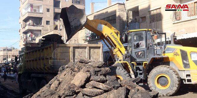 إجراء صيانة عاجلة لشارع الوادي بمدينة دير الزور