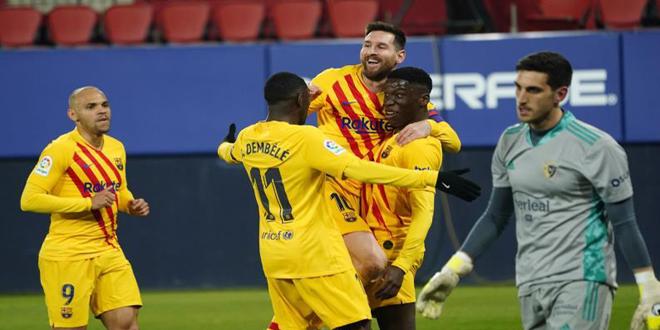 برشلونة يفوز على أوساسونا بثنائية في الدوري الإسباني لكرة القدم