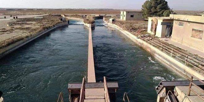 الانتهاء من تأهيل بوابات الحاجز المائي في قرية الشريعة بريف حماة