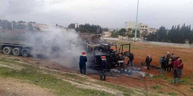 إخماد حريق اندلع في صهريج وقود بعد تدهوره على أوتوستراد حماة حمص