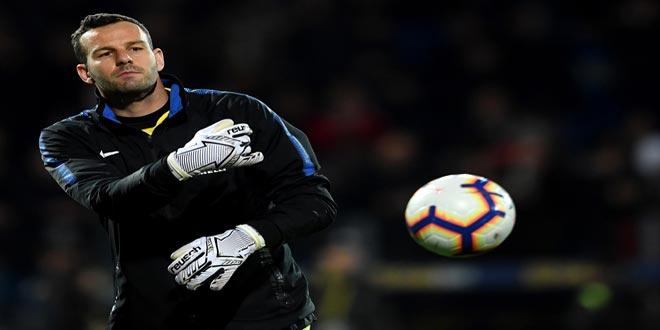 هاندانوفيتش الأكثر تسجيلاً للأهداف في مرماه بين حراس المرمى في الدوريات الخمسة الكبرى