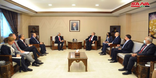 المقداد يبحث مع الأمين العام للاتحاد الدولي لجمعيات الصليب الأحمر والهلال الأحمر تعزيز العلاقات بين الجانبين وتطويرها