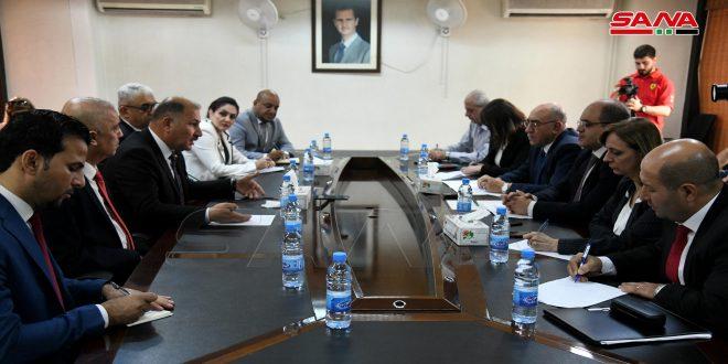 الخليل خلال لقائه وزير الصناعة العراقي: التعاون الصناعي ينعكس على الاقتصاد والتجارة والاستثمار