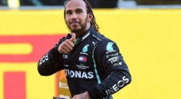 هاميلتون يحقق فوزه الـ 100 في بطولة العالم للفورمولا1