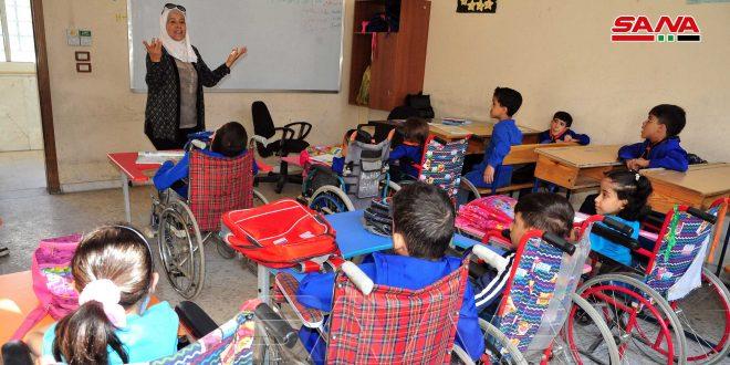 معاهد حاضنة لذوي الإعاقة تستمر بعملها رغم الصعوبات