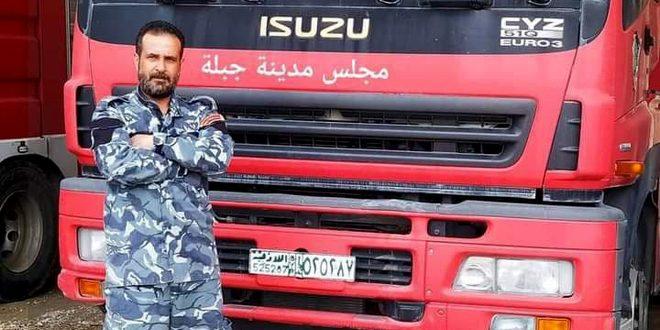 وفاة رجل إطفاء جراء سقوطه من الطابق الرابع خلال إخماد حريق في جبلة