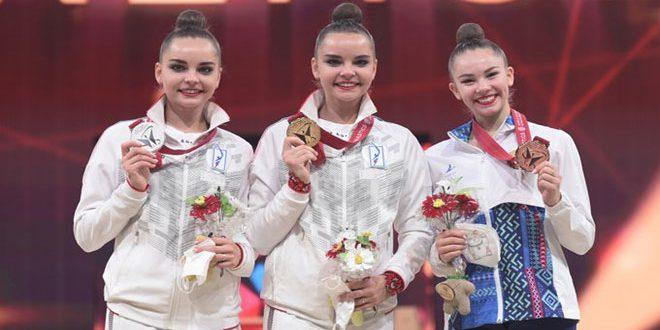 الروسية أفيرينا تحرز الميدالية الذهبية لمسابقة الصولجان ببطولة العالم للجمباز